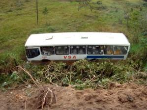 frame---acidente-onibus-01